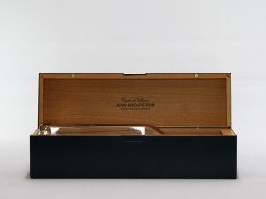 Lacquered wooden box for Cognac