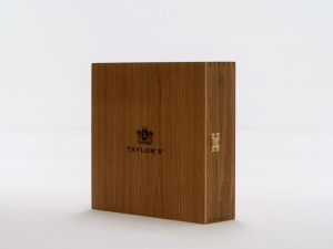 Bespoke Wooden Gift Box for wine bottles