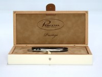 Folding Knife Luxurious wooden gift box